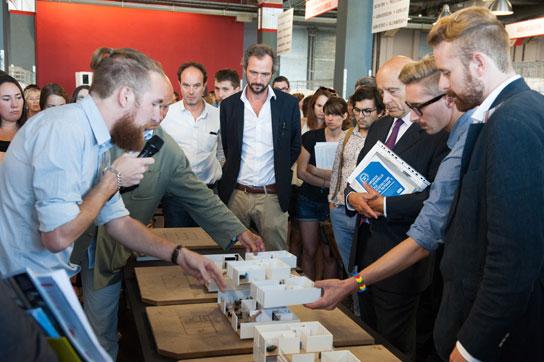 Los estudiantes de la ENSAP de Burdeos presentan sus maquetas, Agora 2014. ©Jérémie Buchholtz